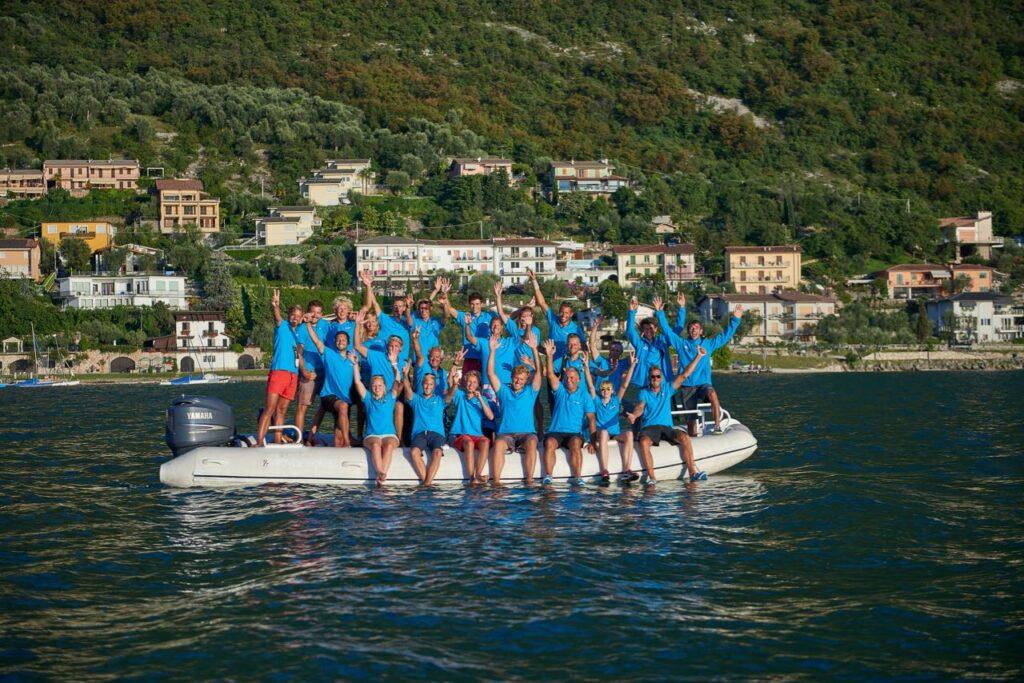 Gruppe in einem Schlauchboot