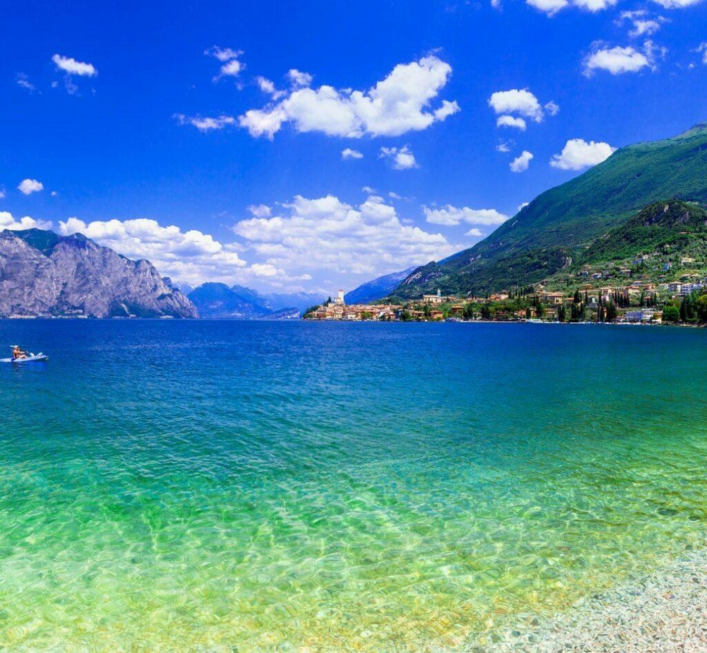 Gardasee-Panorma von Malcesine nach Torbole