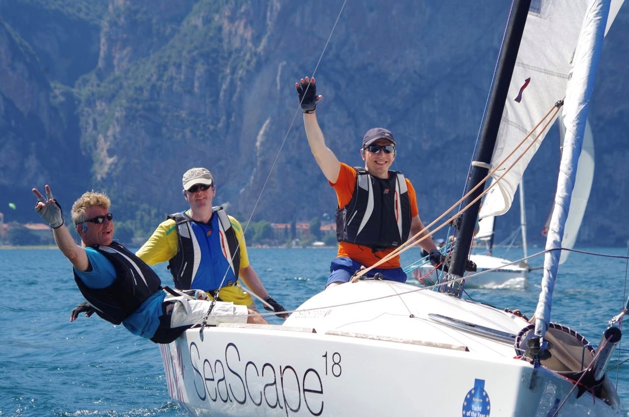 Drei Segler im Boot