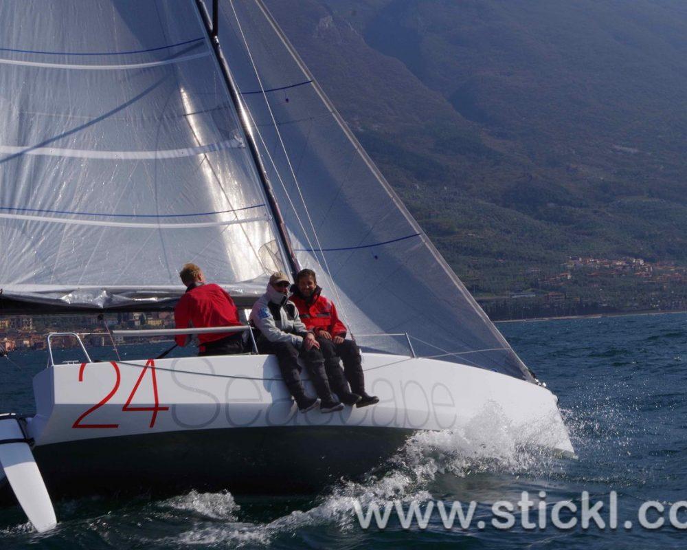 Seasape 24 mit 3 mann an Bord
